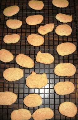 cooling cookies on rack